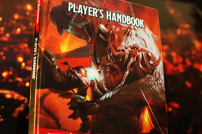 CAPSULE REVIEW: DUNGEONS AND DRAGONS PLAYER'S HANDBOOK